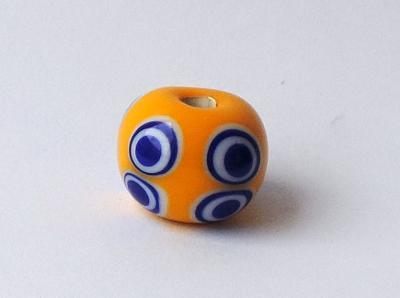 Náhled výrobku: Keltský korálek s osmi oky - žlutý
